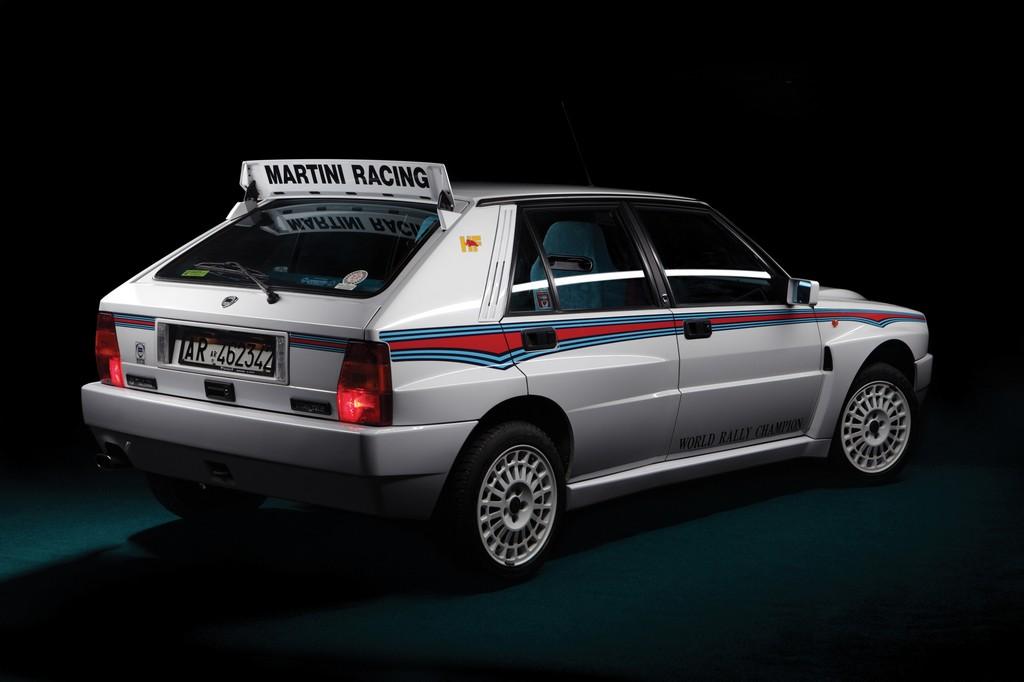 Lancia Delta HF Integrale Martini 6 Tre Quarti Posteriore