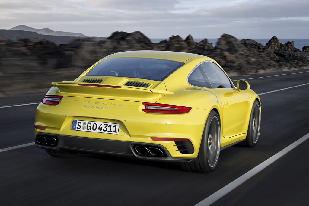 Porsche nuova 911 Turbo S Dietro