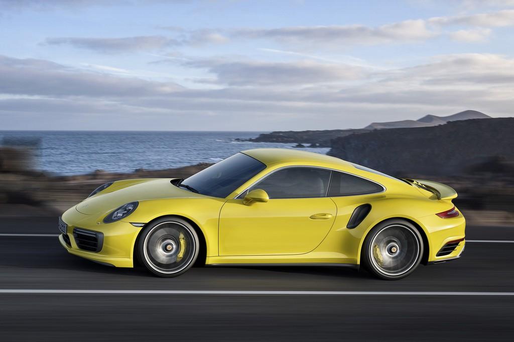 Porsche nuova 911 Turbo S Lato