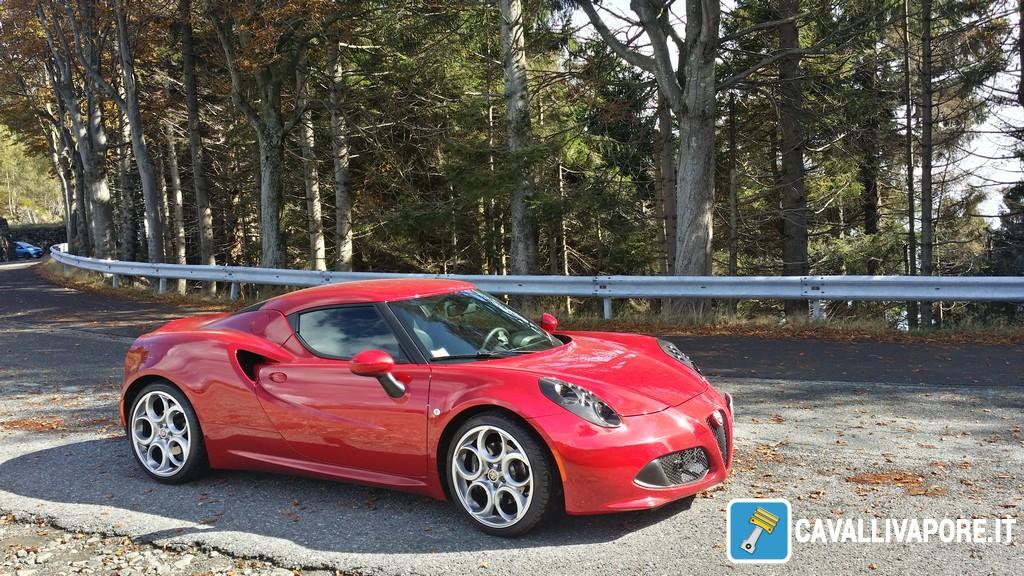 Alfa Romeo 4C Prova su Strada 1
