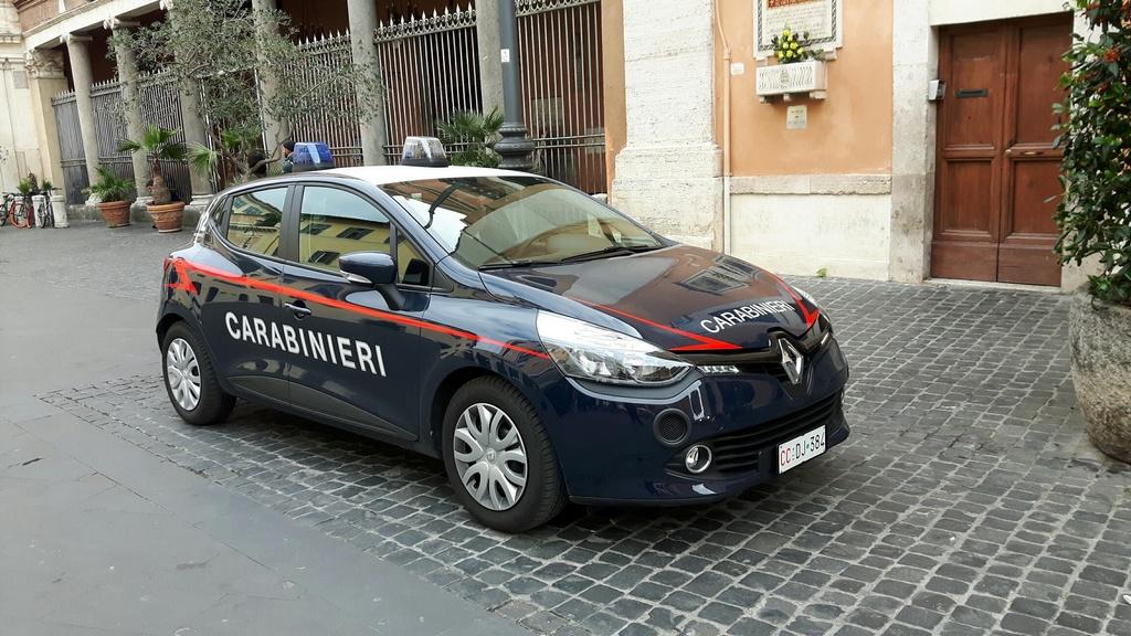 Renault Clio Carabinieri