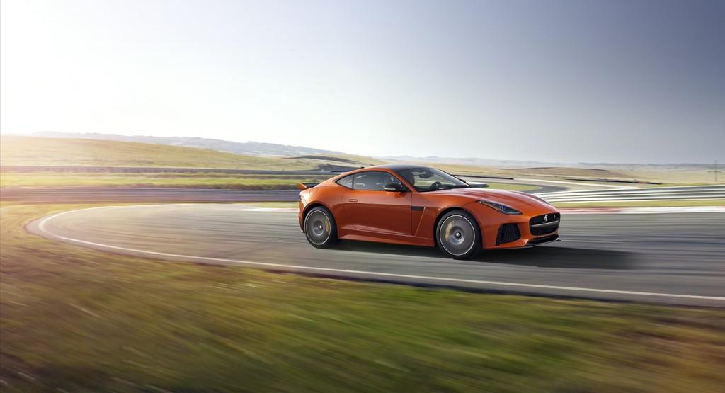 Jaguar F-Type SVR Coupe Lato Pista