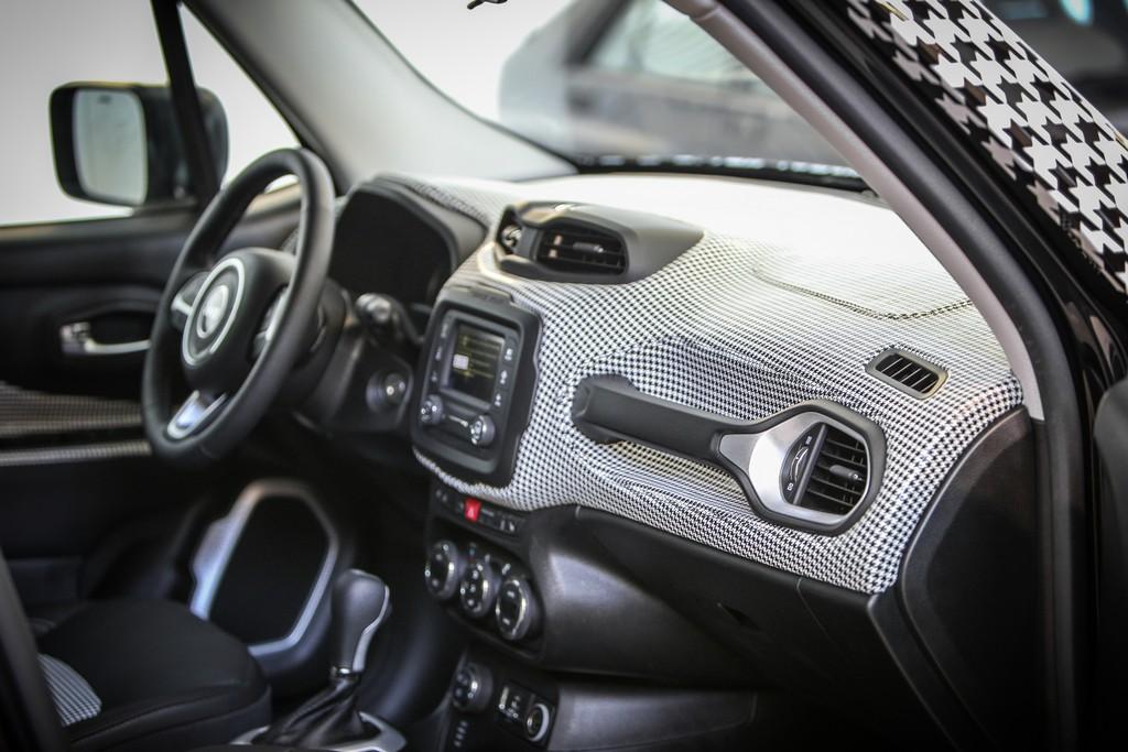 Jeep Renegade Womanity Foundation Garage Italia Customs Dettaglio Interni