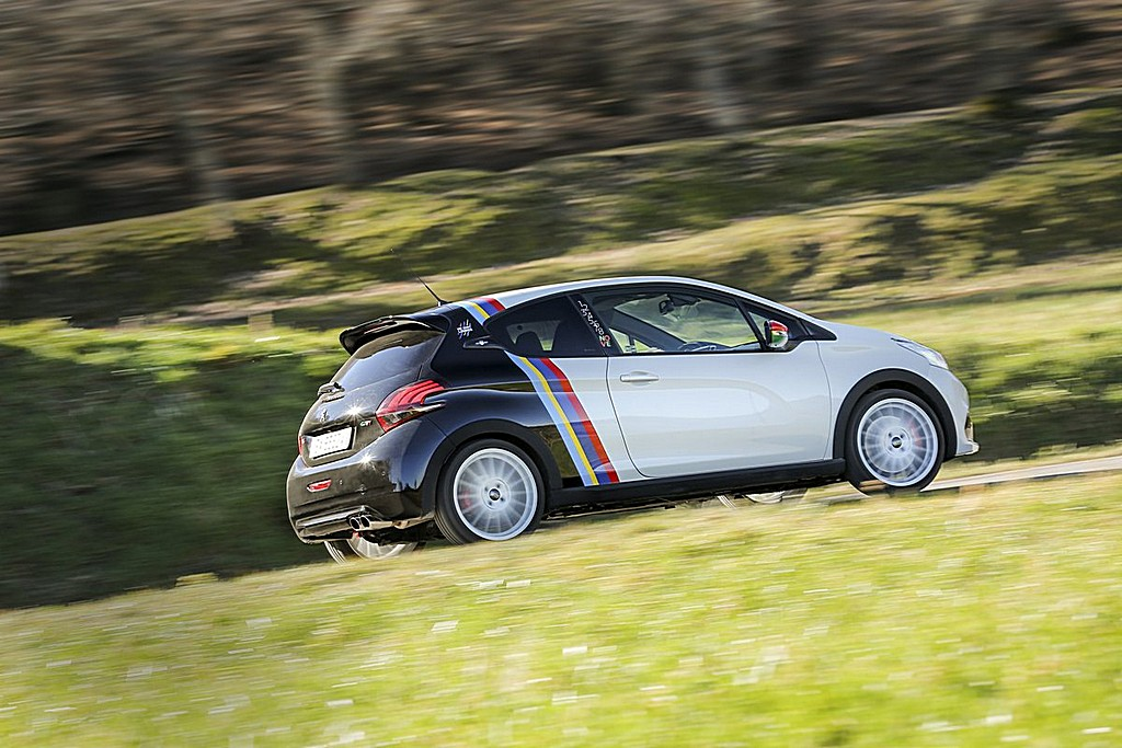 Peugeot 208 GTi Nove Lato Dinamica