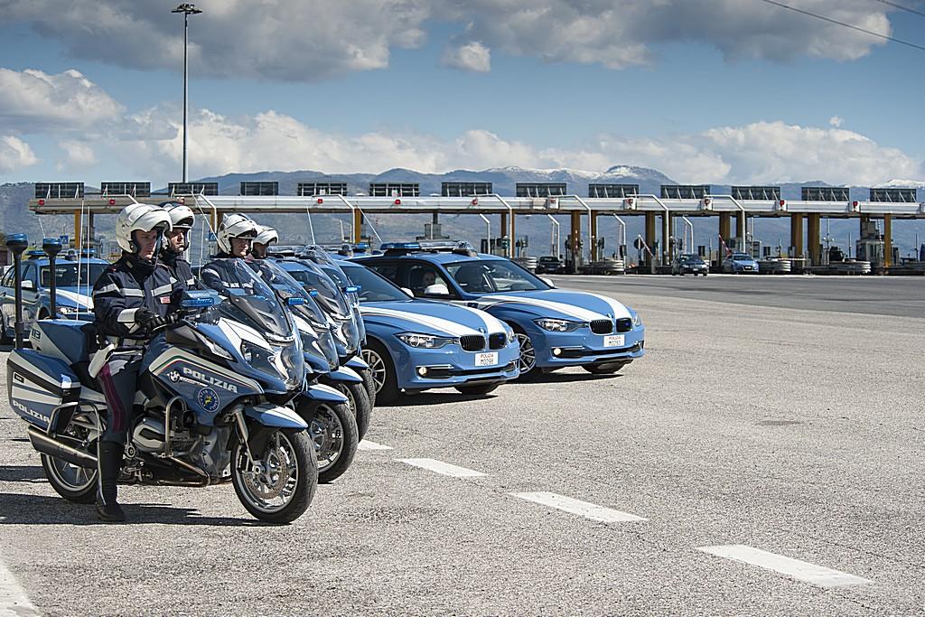 BMW e Polizia Stradale Strada