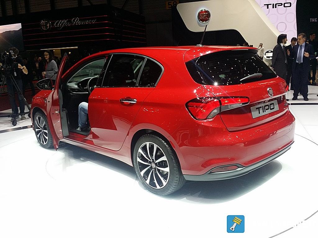 Fiat Tipo 2 Volumi LIVE GIMS 2016 Tre Quarti Posteriore Porta Aperta