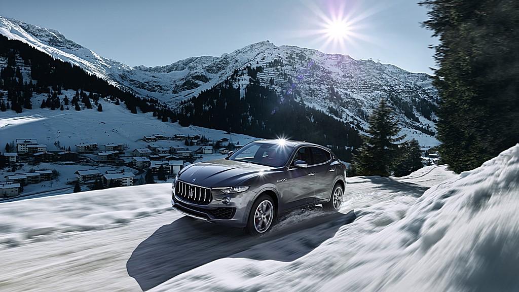 Maserati Levante Tre Quarti Neve