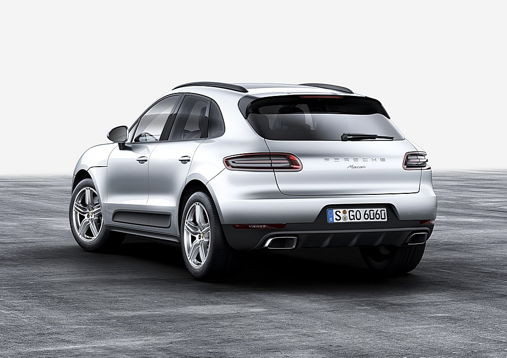 Porsche Macan Turbo Due Litri Dietro