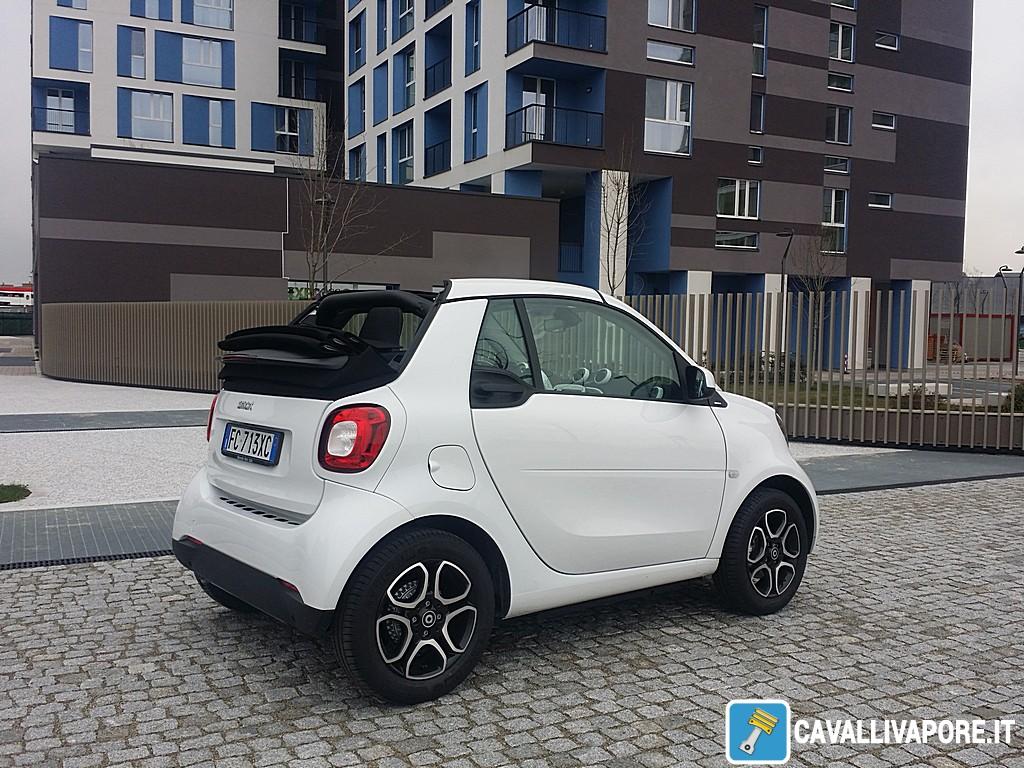 smart nuova cabrio Tre Quarti Posteriore