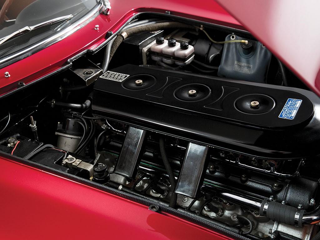 Ferrari 275 GTS4 NART Spider Scaglietti Motore