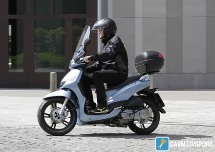 Peugeot Scooter Tweet