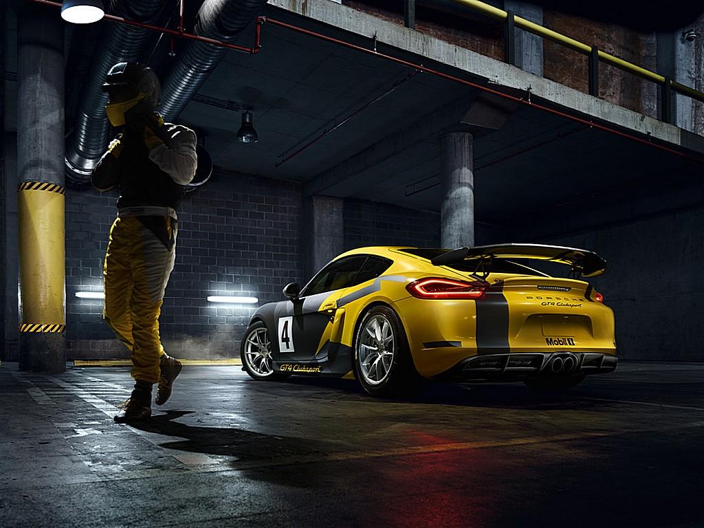 Porsche Cayman GT4 Trophy Italia Dietro