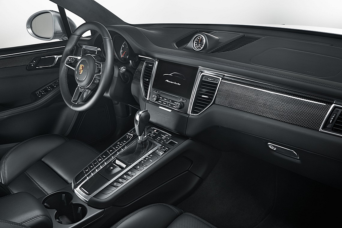 Porsche Macan Turbo Performance Interni