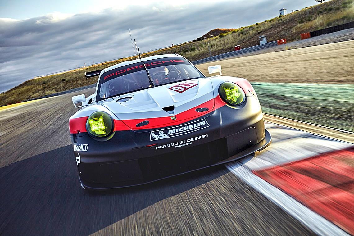 Porsche 911 RSR 2017 Davanti
