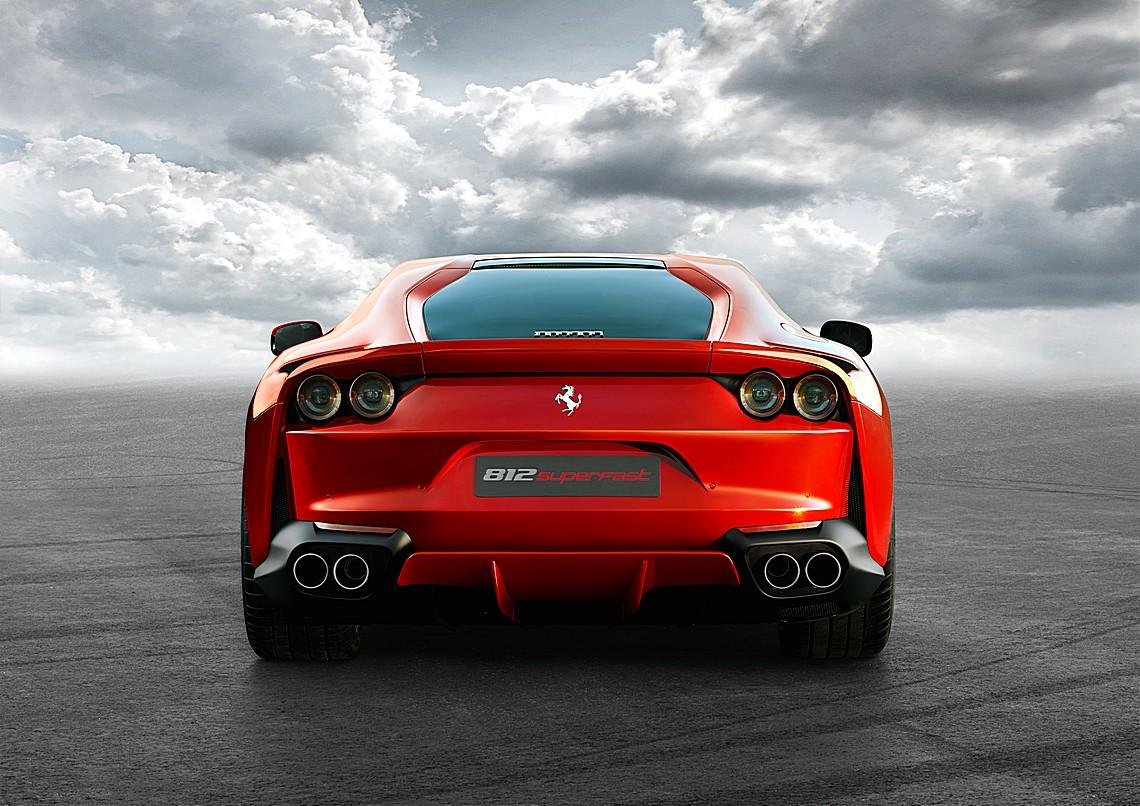Ferrari 812 SuperFast Dietro