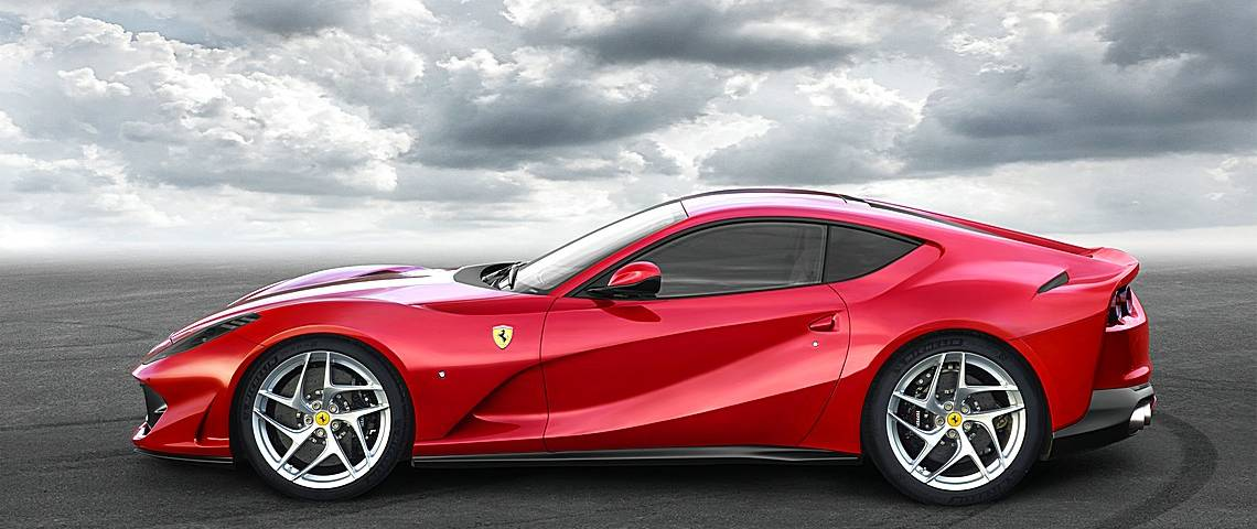Ferrari 812 SuperFast Lato