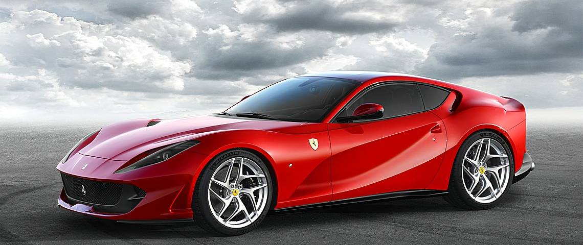 Ferrari 812 SuperFast Tre Quarti