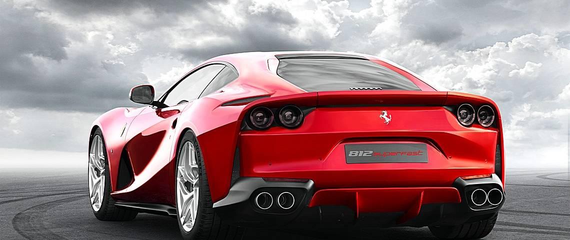Ferrari 812 SuperFast Tre Quarti Posteriore