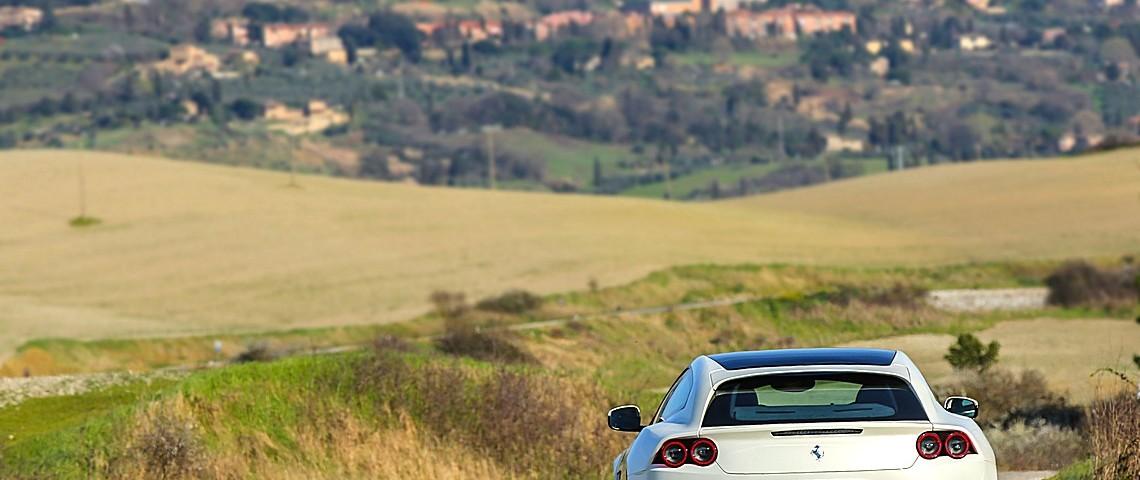 Ferrrari GT4Lusso T 8