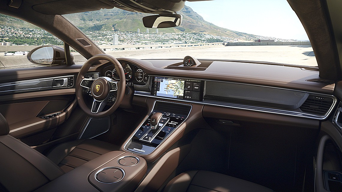 Porsche Sport Turismo Interni