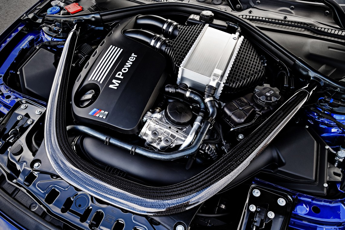 BMW M4 CS 20