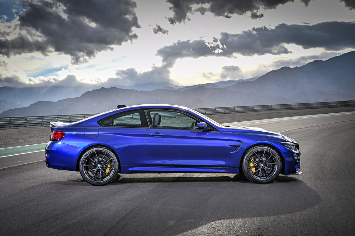 BMW M4 CS lato