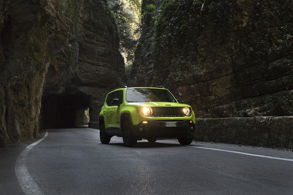 Jeep Renegade Upland Tre Quarti