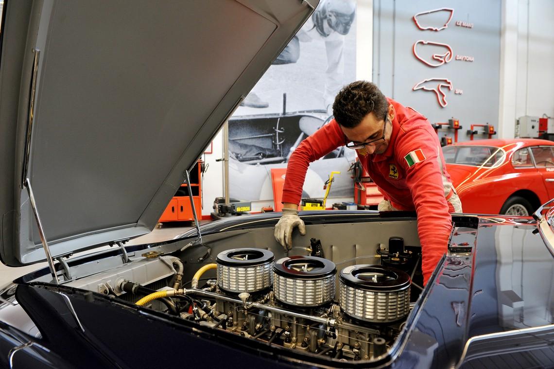 Ferrari 225E Ispezione Motore