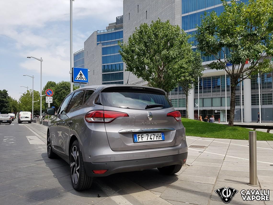 Renault Scenic Tre Quarti Posteriore