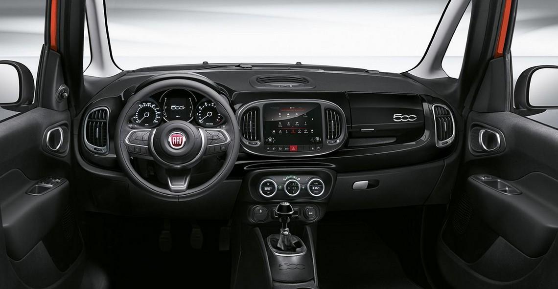 Fiat 500L City Cross Cockpit
