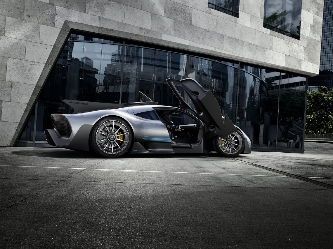 Mercedes AMG Project ONE Portiere Aperte