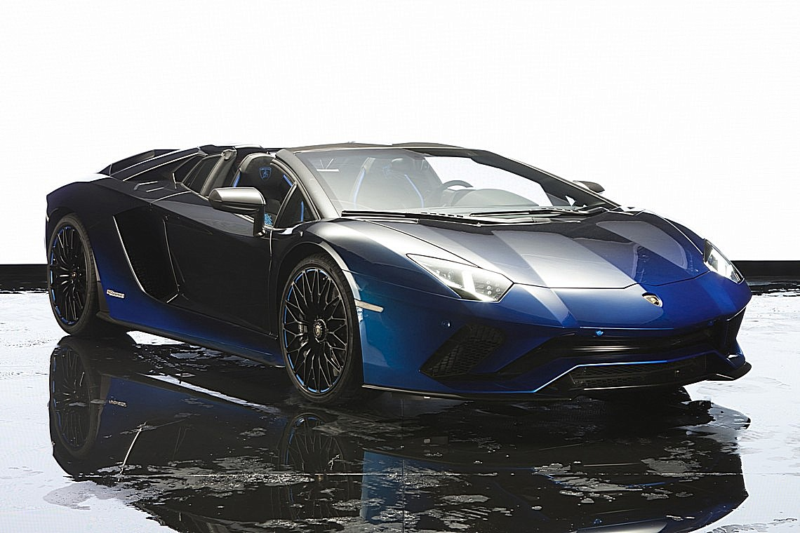 Aventador S Roadster 50th Anniversary Japan Tre Quarti