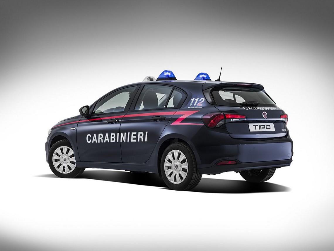 Fiat tipo 5 porte con la divisa dei carabinieri cavalli for 3 box auto in vendita