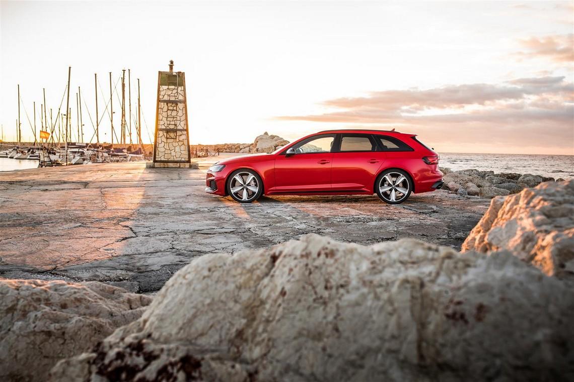 Audi-RS4-Avant-10