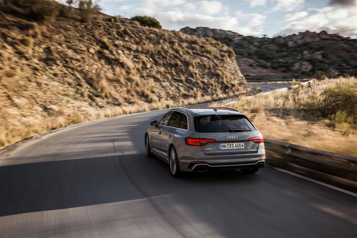 Audi-RS4-Avant-11