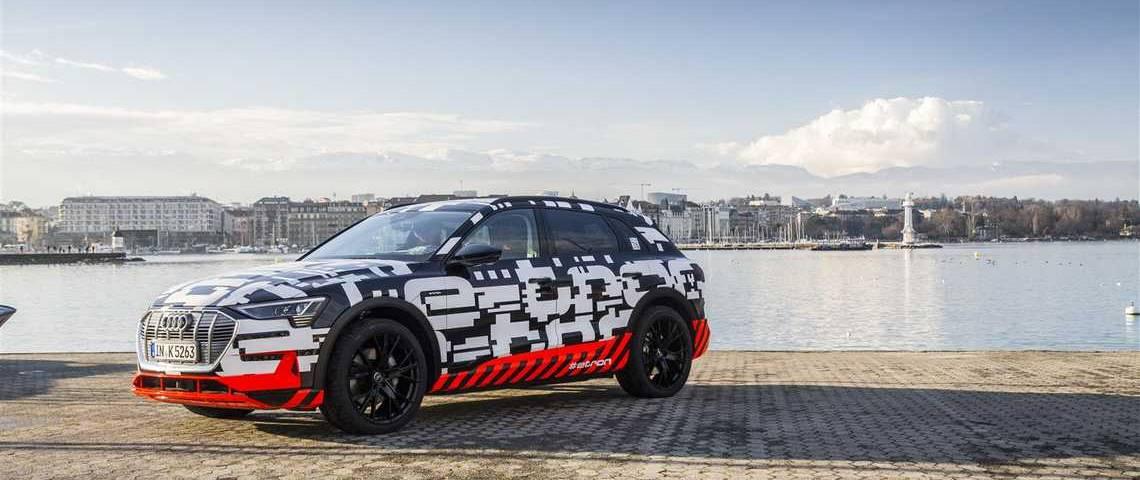Audi e-tron Tre Quarti