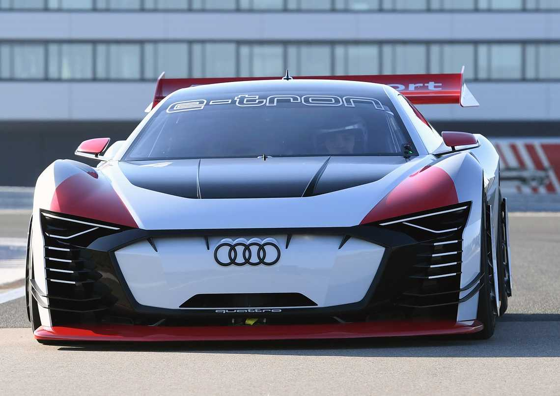Audi e-tron Vision Gran Turismo Davanti Dinamica