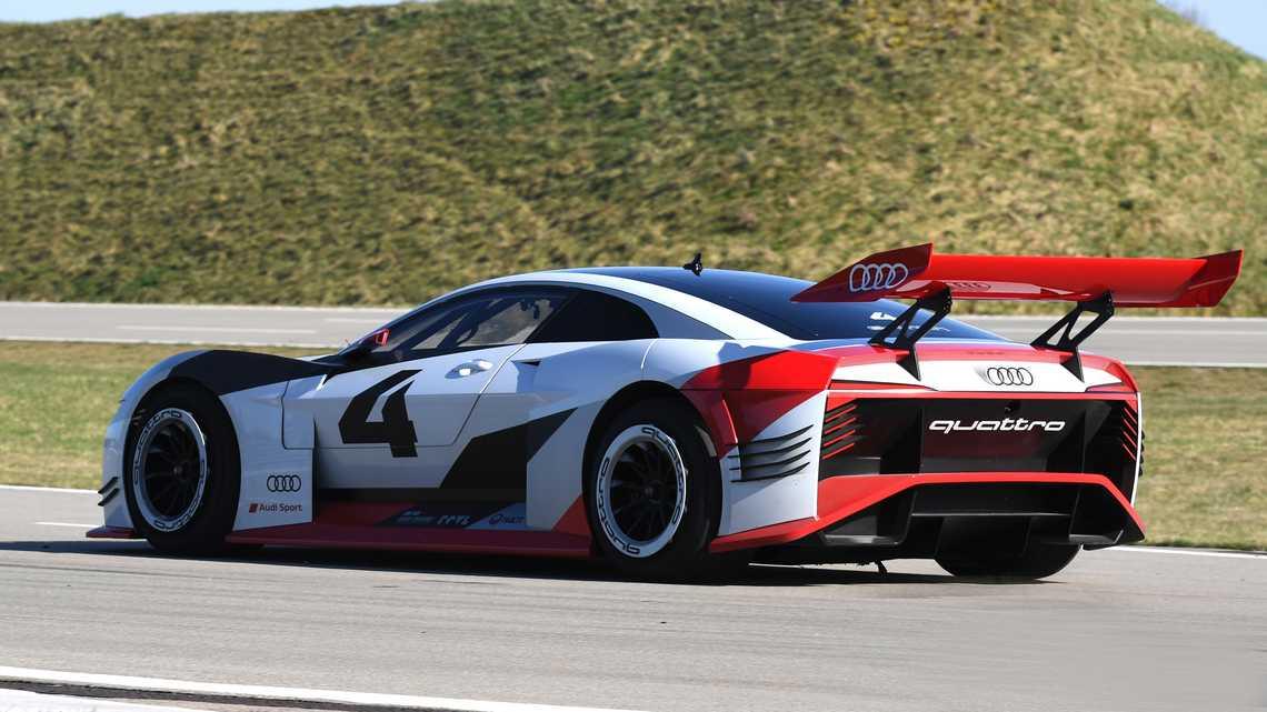 Audi e-tron Vision Gran Turismo Tre Quarti Posteriore Dinamica