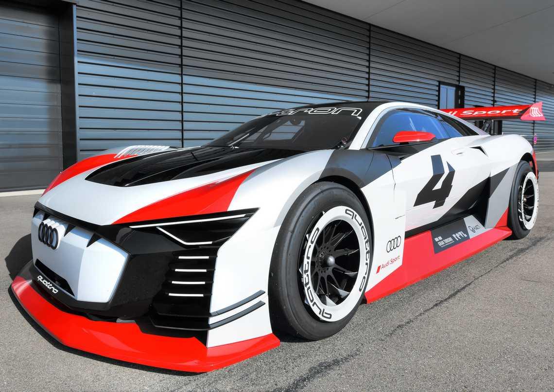 Audi e-tron Vision Gran Turismo Tre Quarti Pista