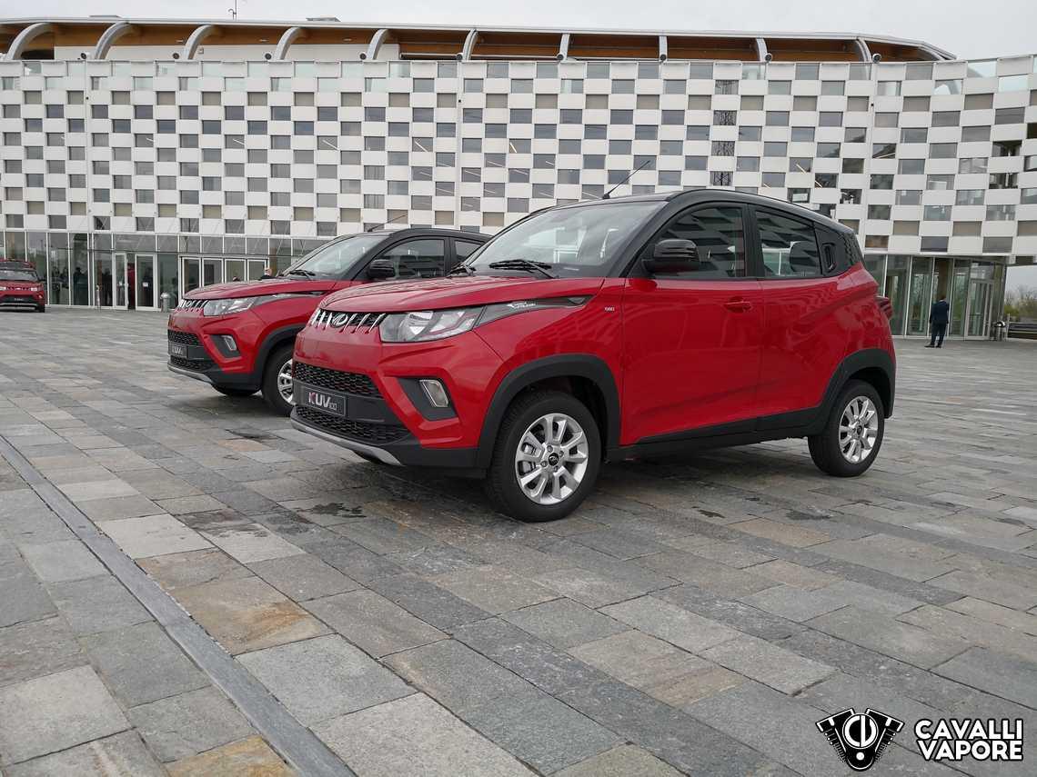Mahindra KUV 100 Tre Quarti Anteriore