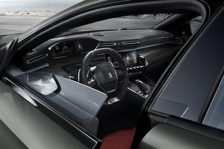 Nuova Peugeot 508SW i-Cockpit