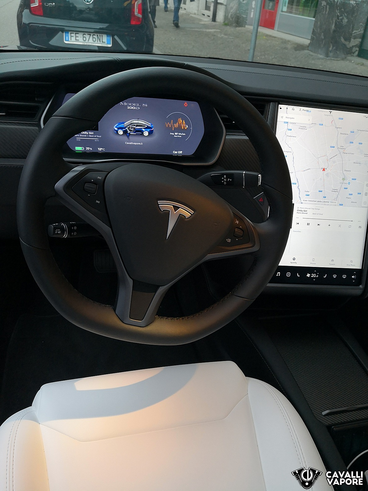 Tesla Model S 100D Cruscotto e Volante