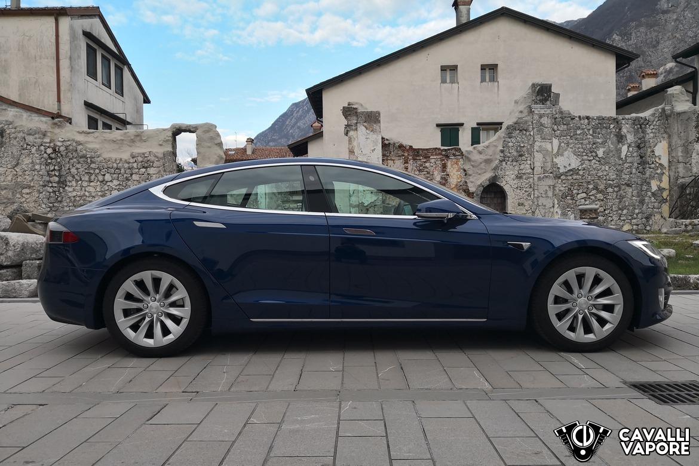 Tesla Model S 100D Lato Destro a Venzone