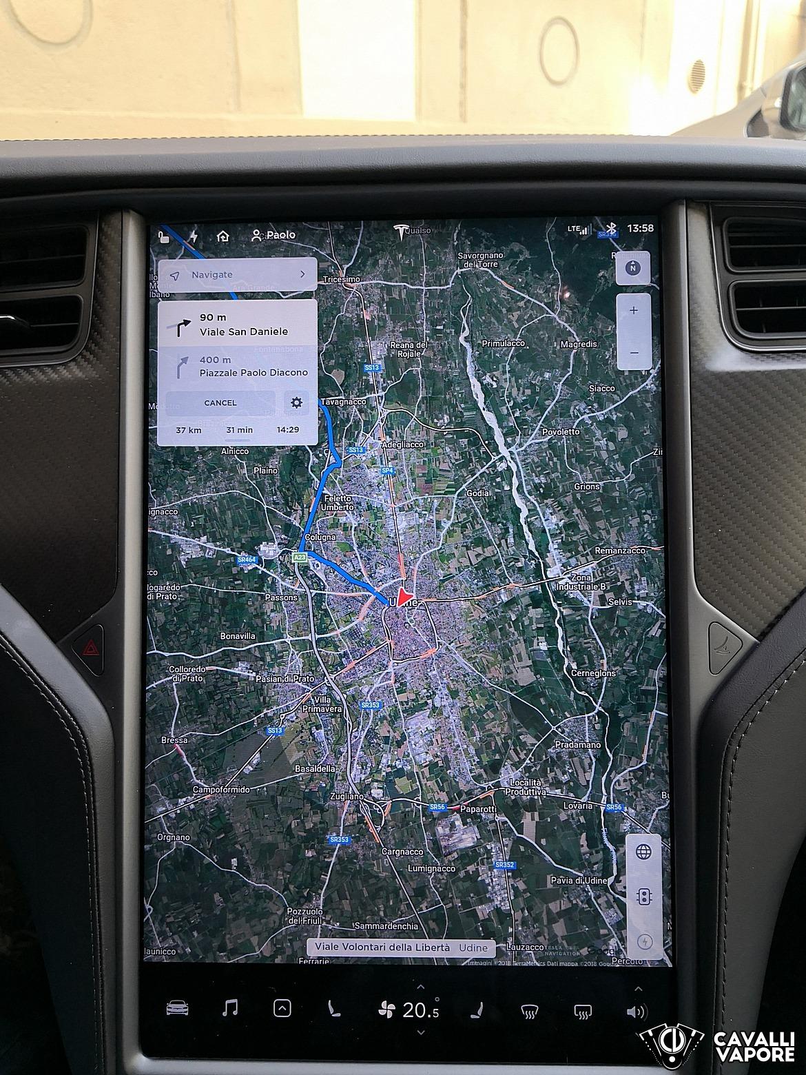 Tesla Model S 100D Navigatore