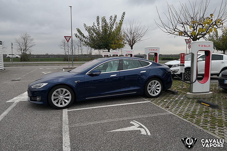 Tesla Model S 100D in ricarica a Palmanova