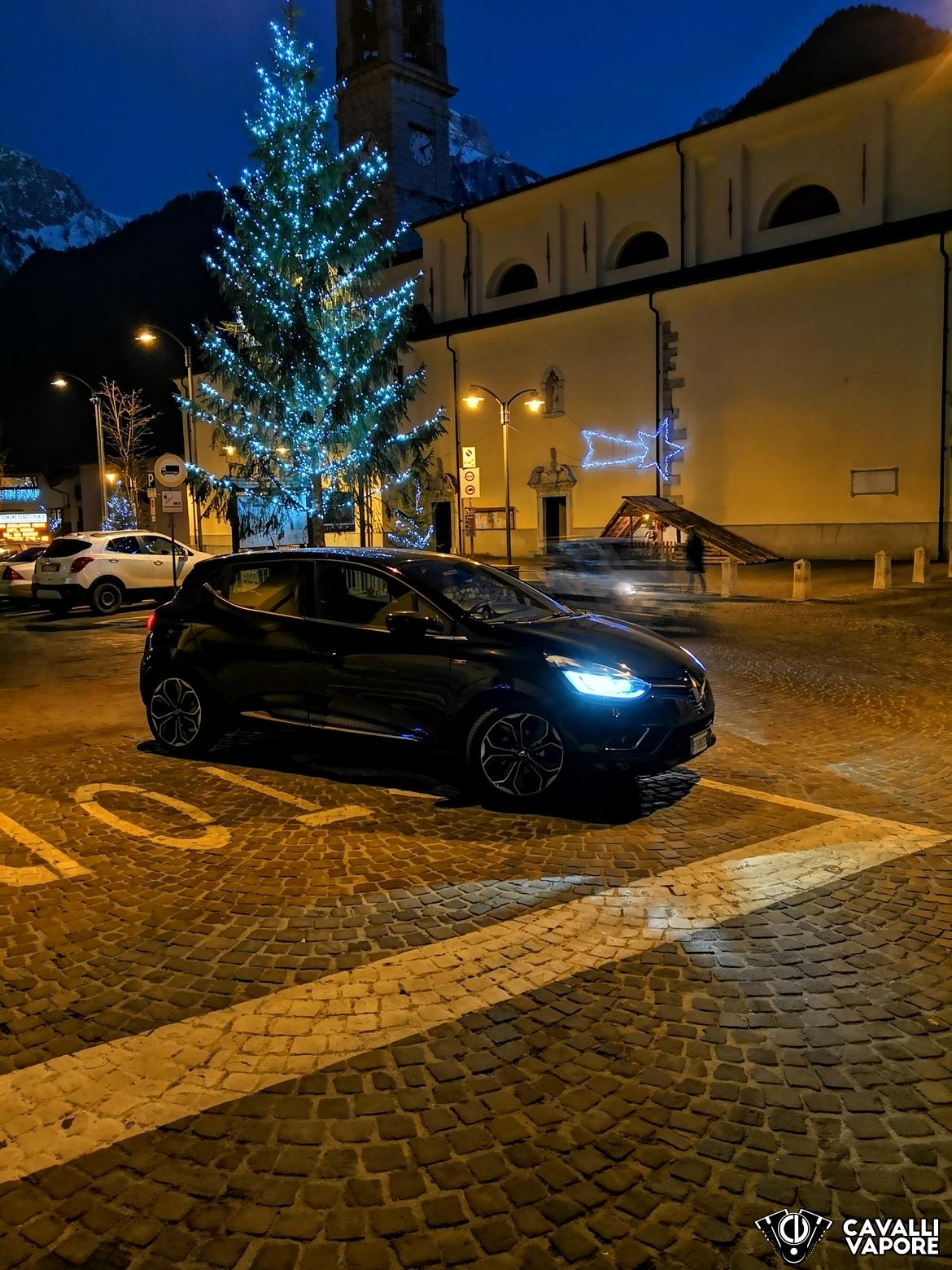 Renault Clio Moschino Albero di Natale