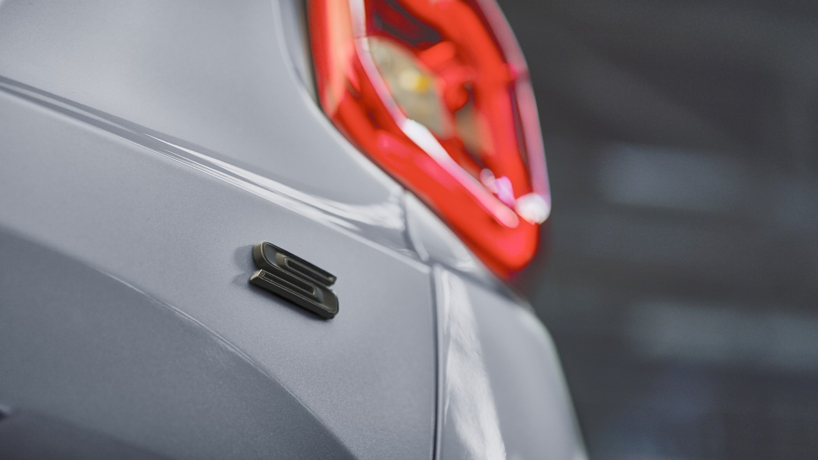 Jeep Renegade S Logo S