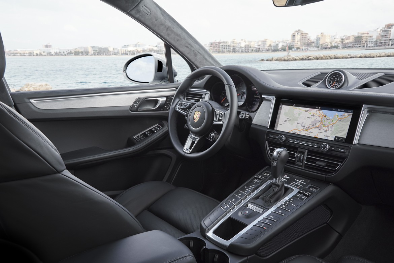 Porsche Macan S Interni
