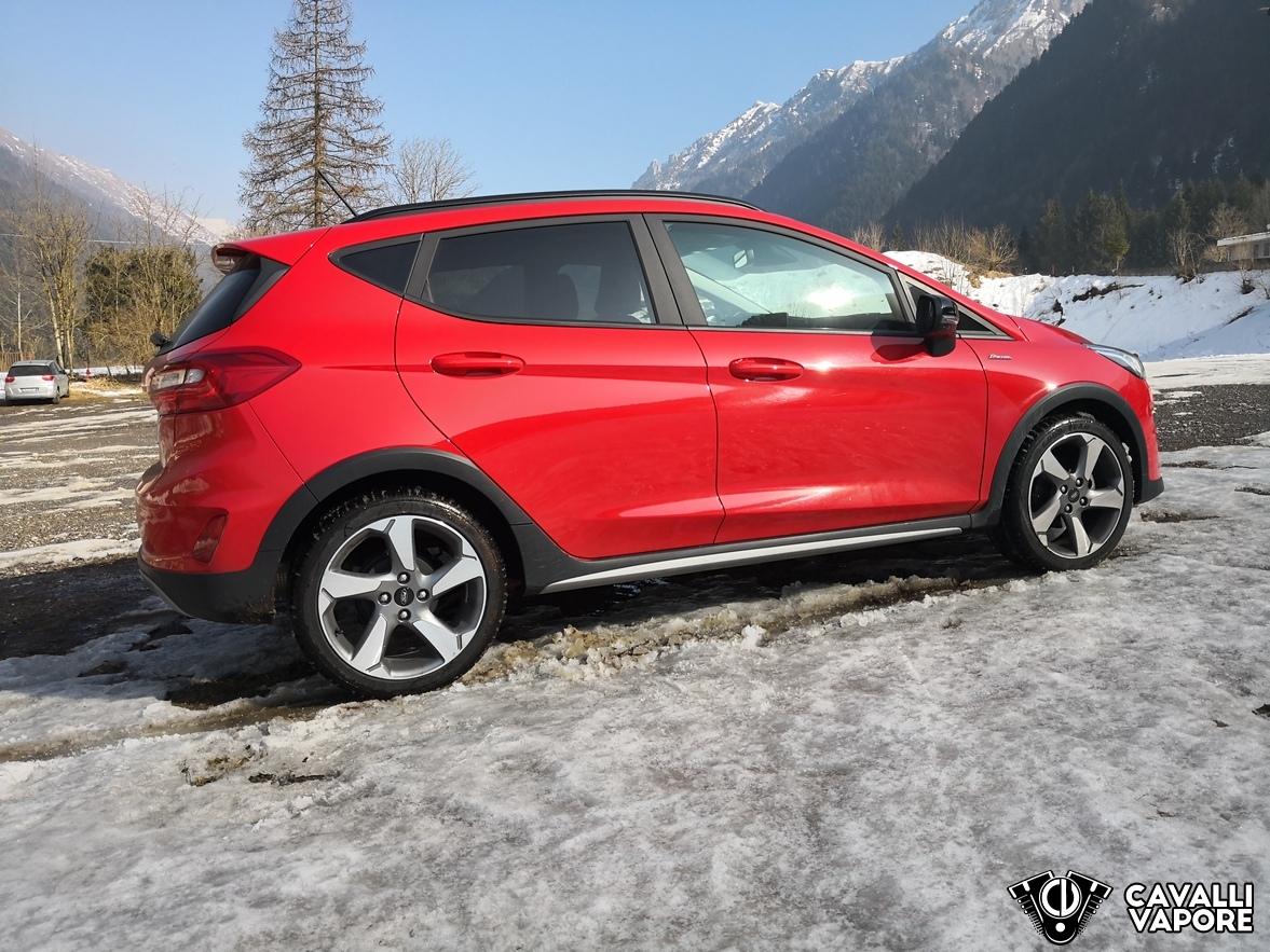 Ford Fiesta Active Prova su strada Lato Destro