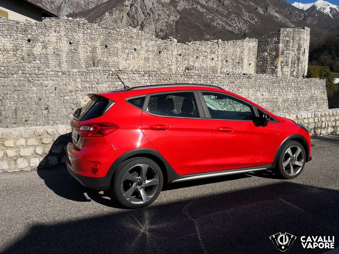Ford Fiesta Active Prova su strada Lato